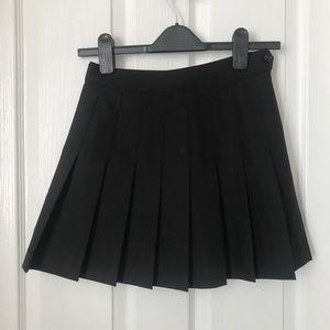 ARITZIA Talula black knife pleated skirt